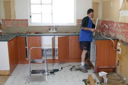 Демонтаж отделки кухни