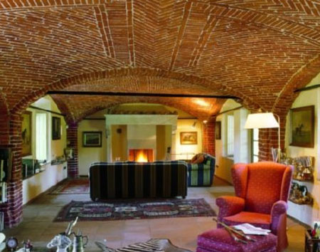 Потолок из кирпича