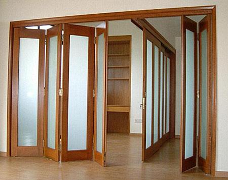 Сдвижные стеклянные двери гармошкой