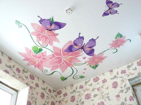 Натяжной потолок с фотопечатью для спальни